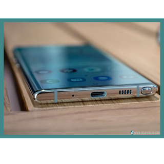 """The new Samsung Galaxy Note could have a  """"Waterfall-like"""" display, patent reveals."""