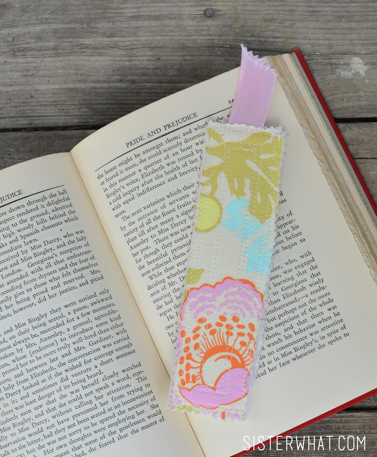 Fabric bookmarks tutorial