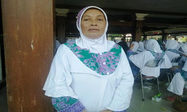 Ibu Penjual Gorengan Naik Haji, Ternyata Ini Rahasianya