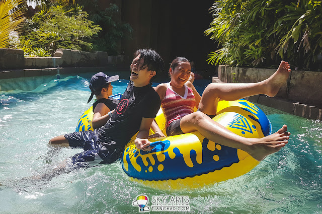 That fun moment when Adventure River hit by huge waves at Lost World of Tambun
