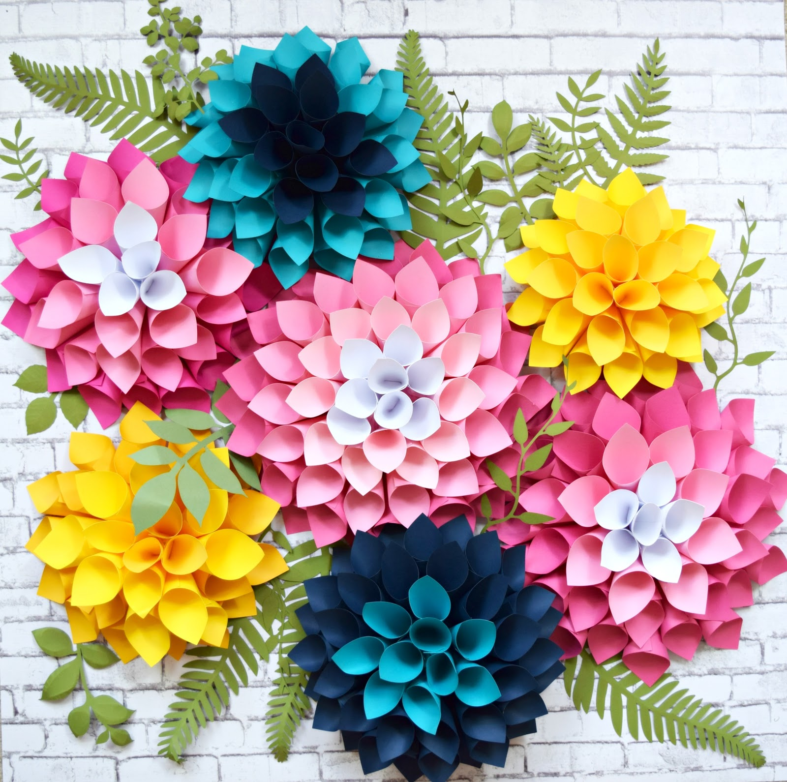 Diy giant dahlia paper flowers how to make large paper for Free printable paper flower templates