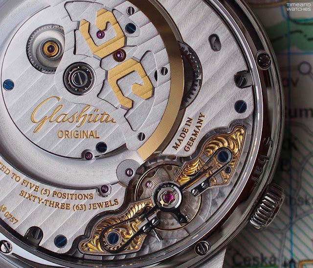 The movement of the Glashütte Original Senator Cosmopolite Stainless Steel