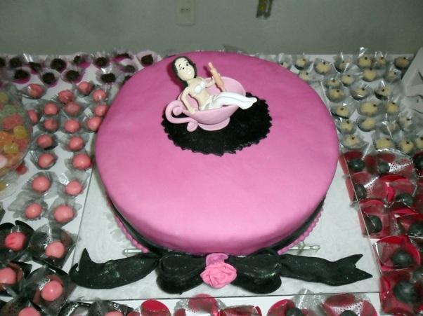 cha-de-pangerie-dicas-de-decoracao-cha-de-cozinha-cha-de-lingerie-bolo-criativo