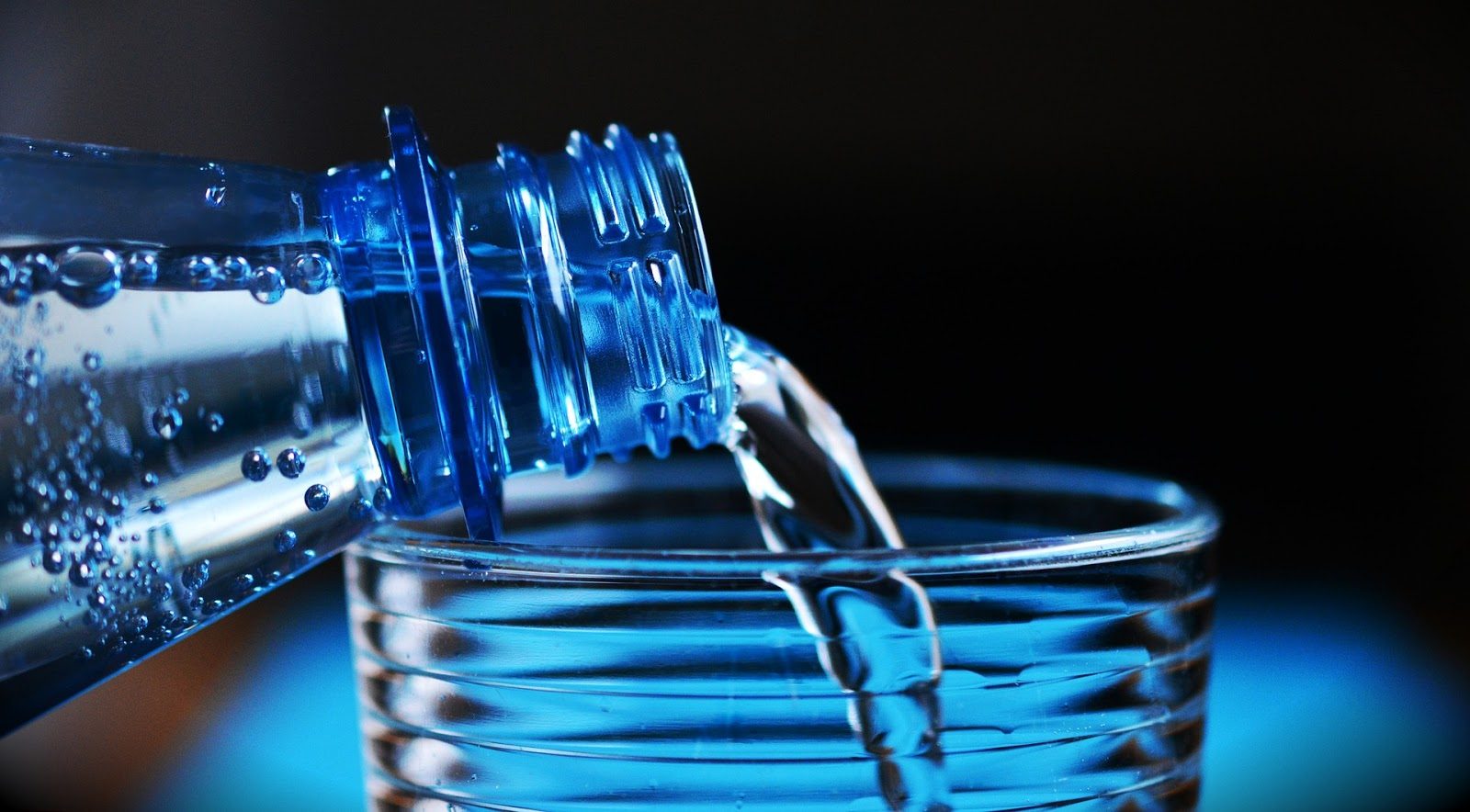 A Ty? Pijesz wodę?