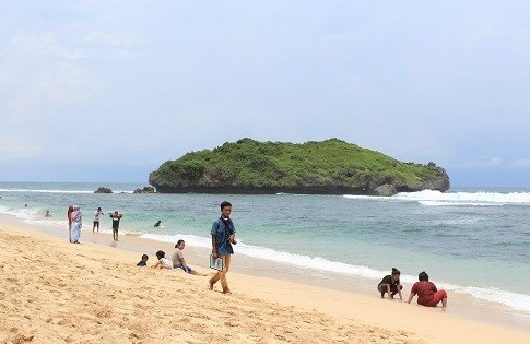 Pantai Sadranan Gunung Kidul Jogja