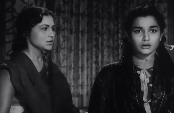 Nirupa Roy and Asha Parekh in Chhaya, Hrishikesh Mukherjee