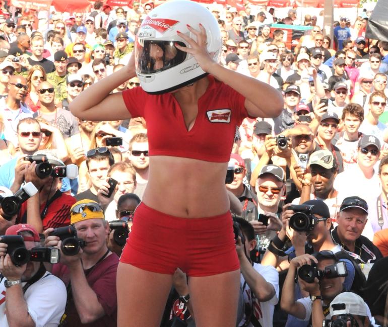 Toronto Grand Prix Tourist - A Toronto Blog: @HondaIndy Toronto Bud Grid Girls - A Toronto Blog