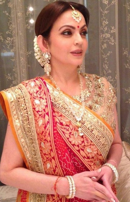 Nita Ambani Simple Polki Set
