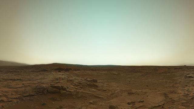 Esta imagen del Curiosity muestra los colores de Marte
