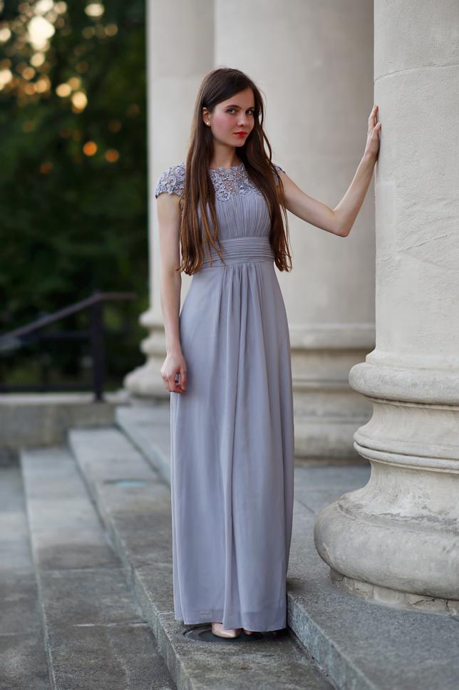 szara suknia do ziemii