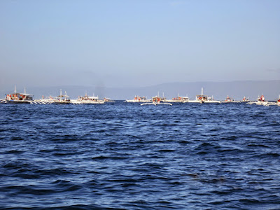 tourists-boats