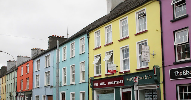 Killarney, värikkäät talot