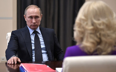 Vladimir Putin at a meeting with Accounts Chamber Chairperson Tatyana Golikova.