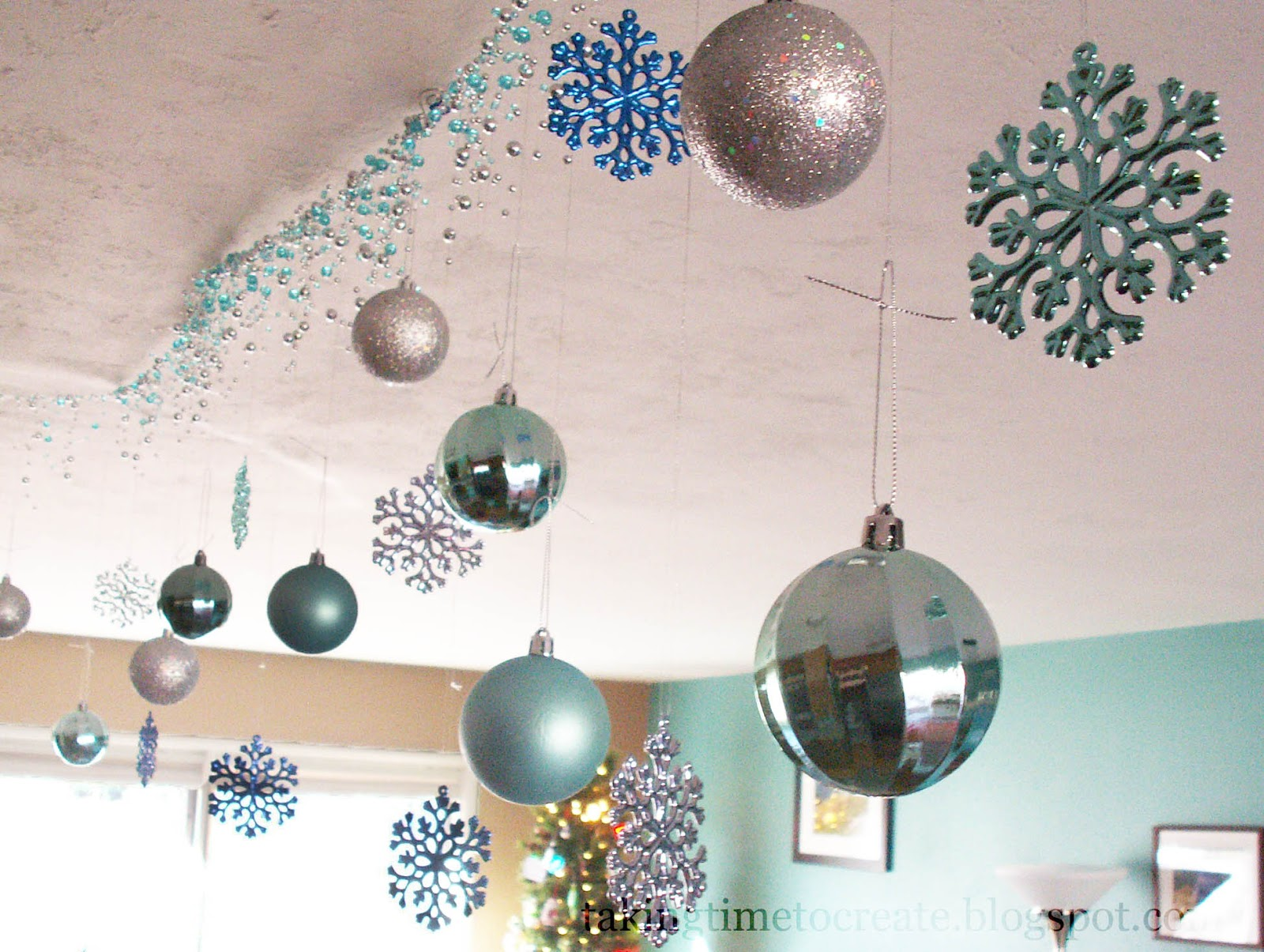 Christmas Decoration Ideas For Office Ceiling.Taking Time To Create Christmas On A Budget