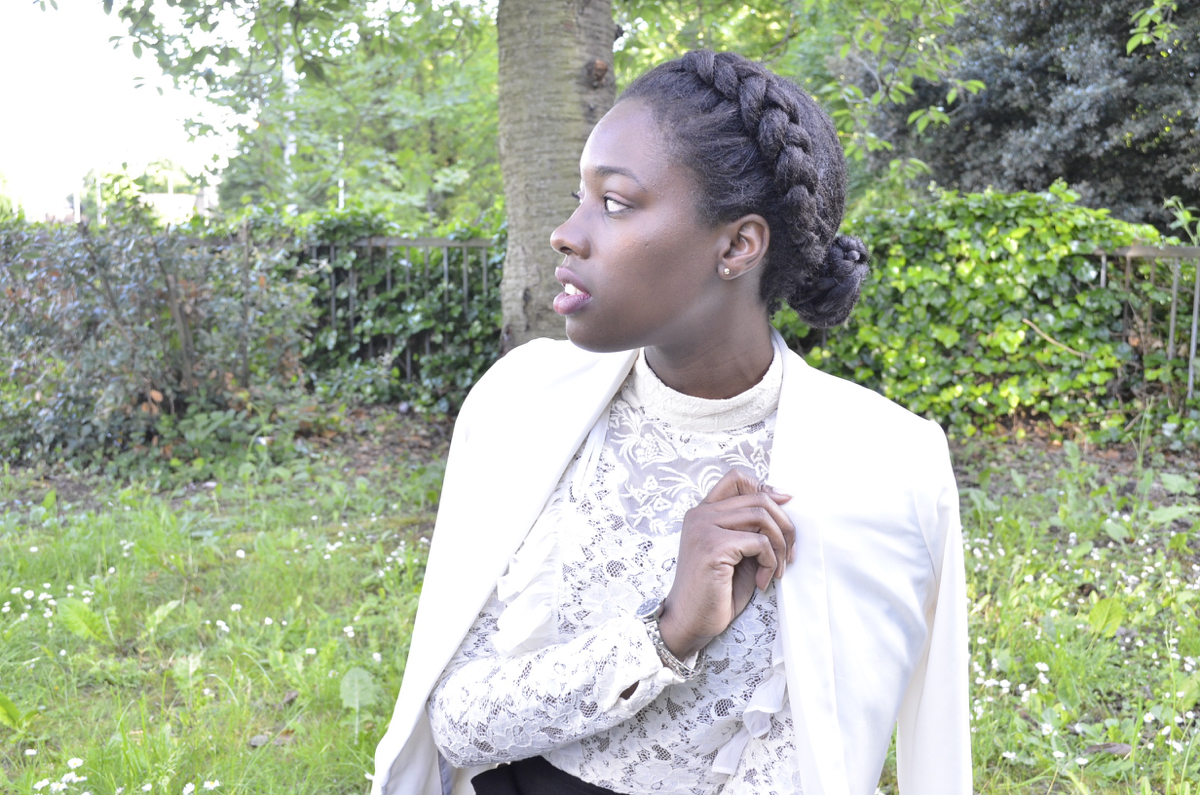 White lace ruffle top from Topshop and white blazer from H&M