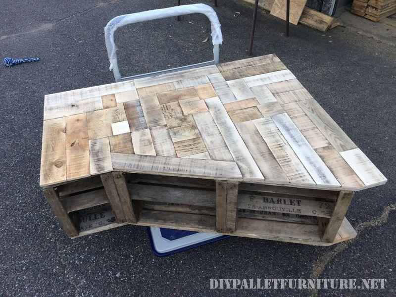 Mueble para el sal n hecho con cajas for Mueble salon palets