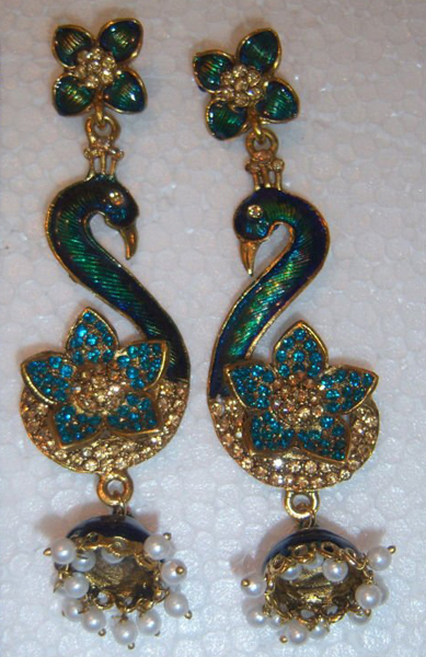 Gold Jewellery Designs: 22ct Gold antique style jumka ...