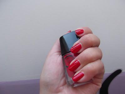 červený lak  na nechty