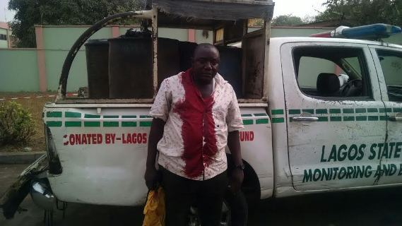 Lagos Task Force Para-Military officer stabbed by hoodlums at Oshodi (See Photos)
