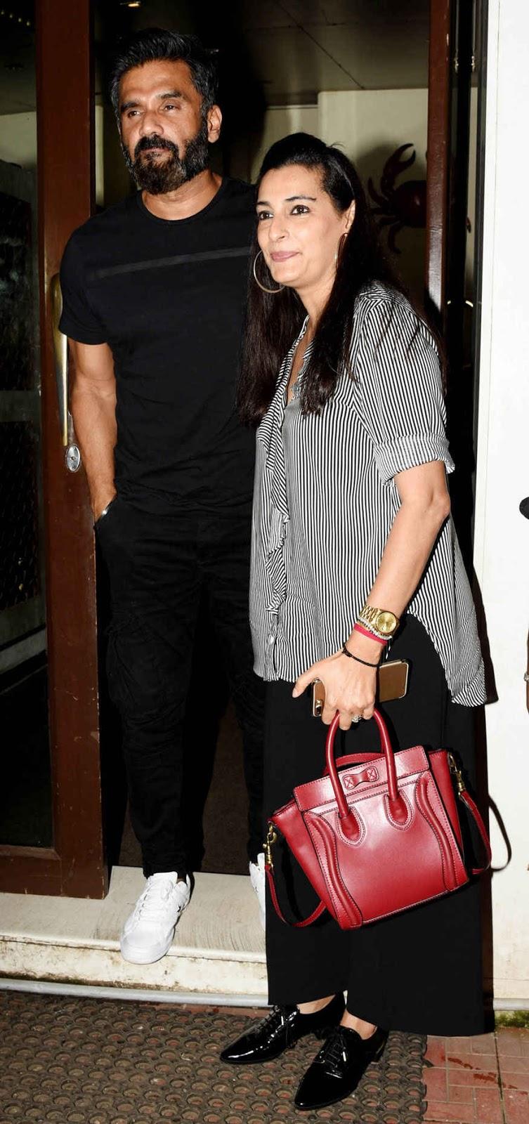 Suniel Shetty with Mana Shetty During her Birthday Party at Bestin
