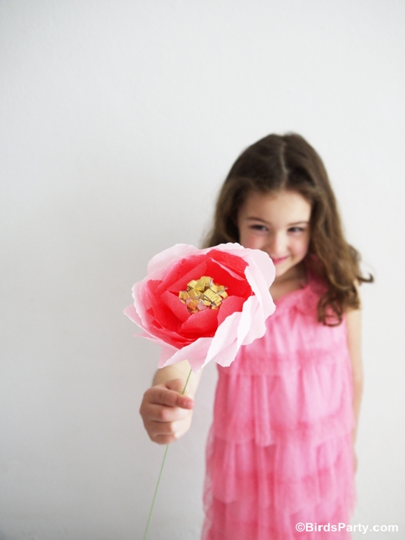 Mother's Day Easy Craft: DIY Crepe Paper Flower Bouquet - BirdsParty.com
