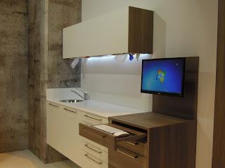 mueble clínico con teclado