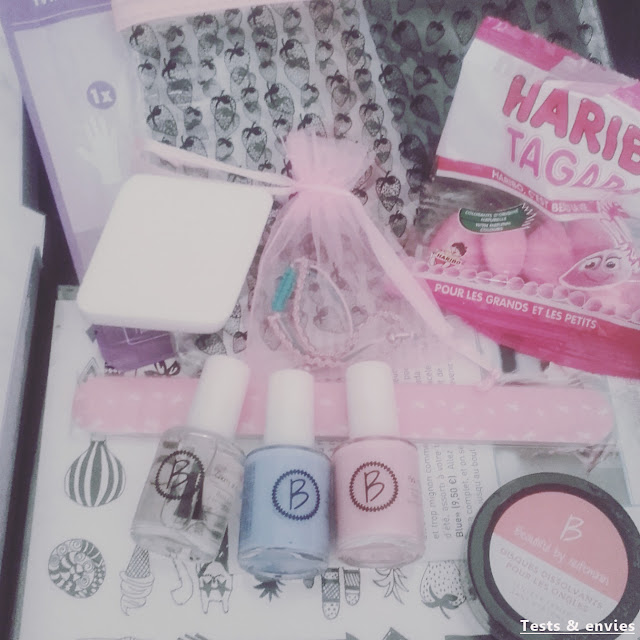Beautifull box: Life is a strawberry
