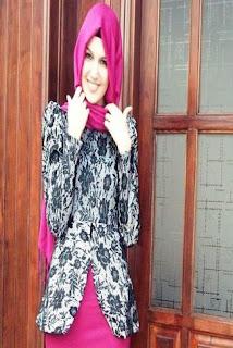 Desain Batik Modern Wanita Muslimah