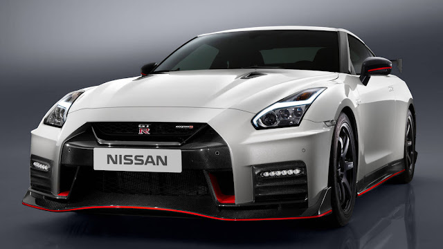 New Nissan GT-R Nismo 2017 base Price $176,585 front view