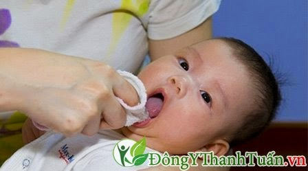 Dạy Trẻ Biết Vệ Răng Miệng Để Hạn Chế Bệnh Hôi Miệng Tấn Công