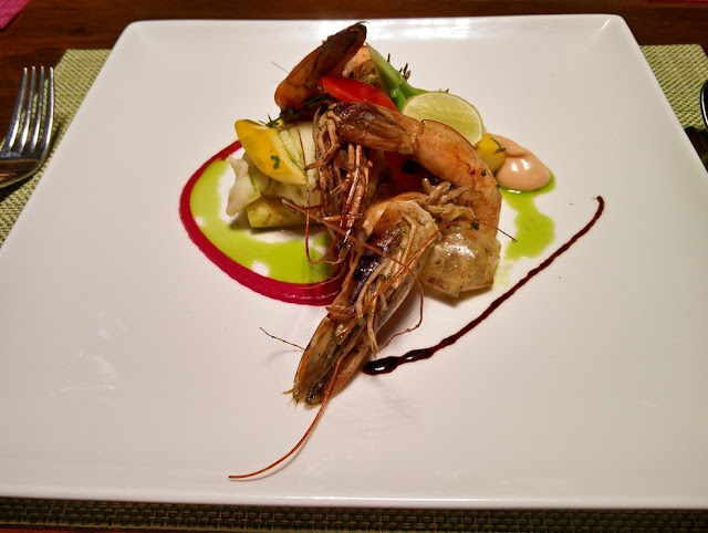 Prawns on Mashed Potatoes and Grilled Pineapple