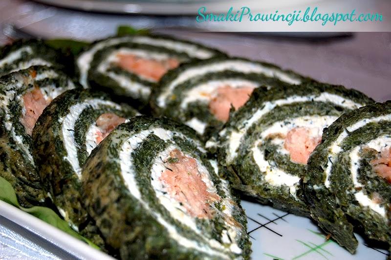 Rolada szpinakowa z wędzonym łososiem - przepis