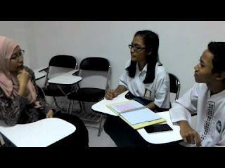 Contoh Laporan wawancara kelas 9C dengan guru bahasa inggris