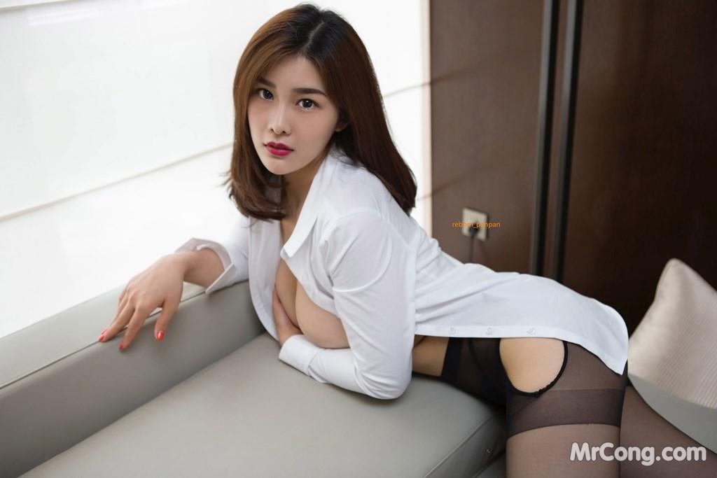 Image Yan-Pan-Pan-Part-4-MrCong.com-031 in post Người đẹp Yan Pan Pan (闫盼盼) hờ hững khoe vòng một trên giường ngủ (40 ảnh)