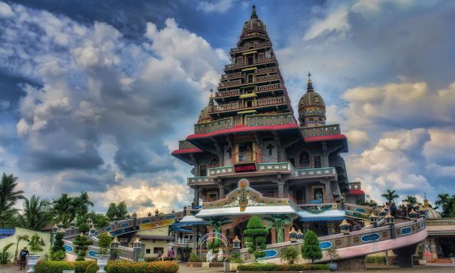 Graha Bunda Maria Annai Velangkanni tempat wisata di Medan yang wajib dikunjungi