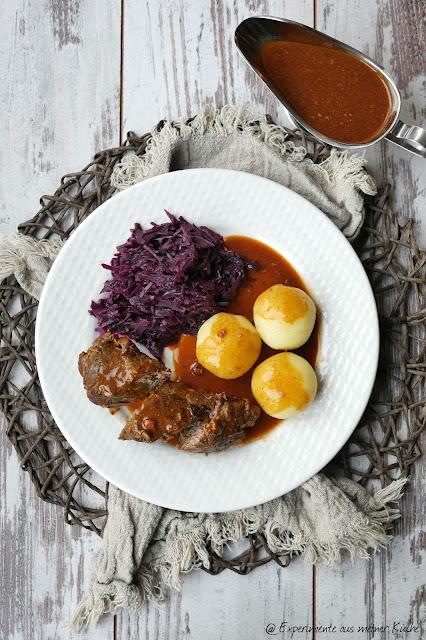 Klassische Rouladen mit Rotkohl und polnischen Klößen | Rezept | Essen | Kochen | Hausmannskost
