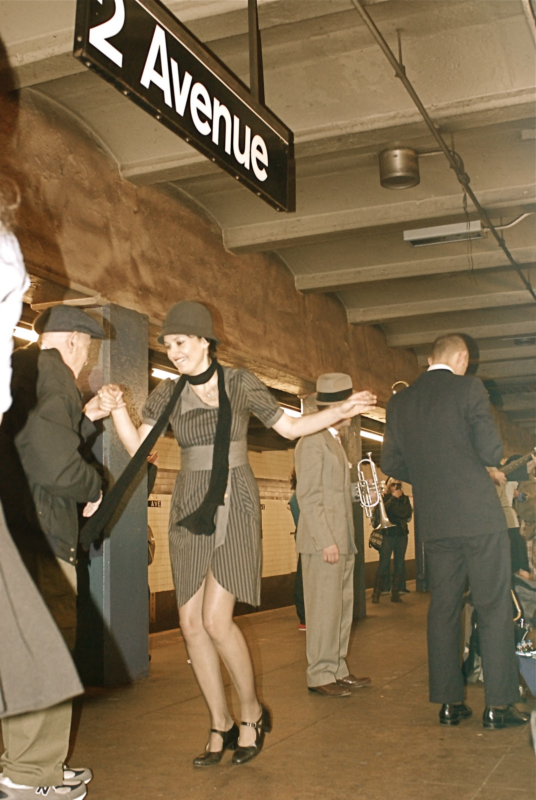 Swing dance club nyc / One cigar a month