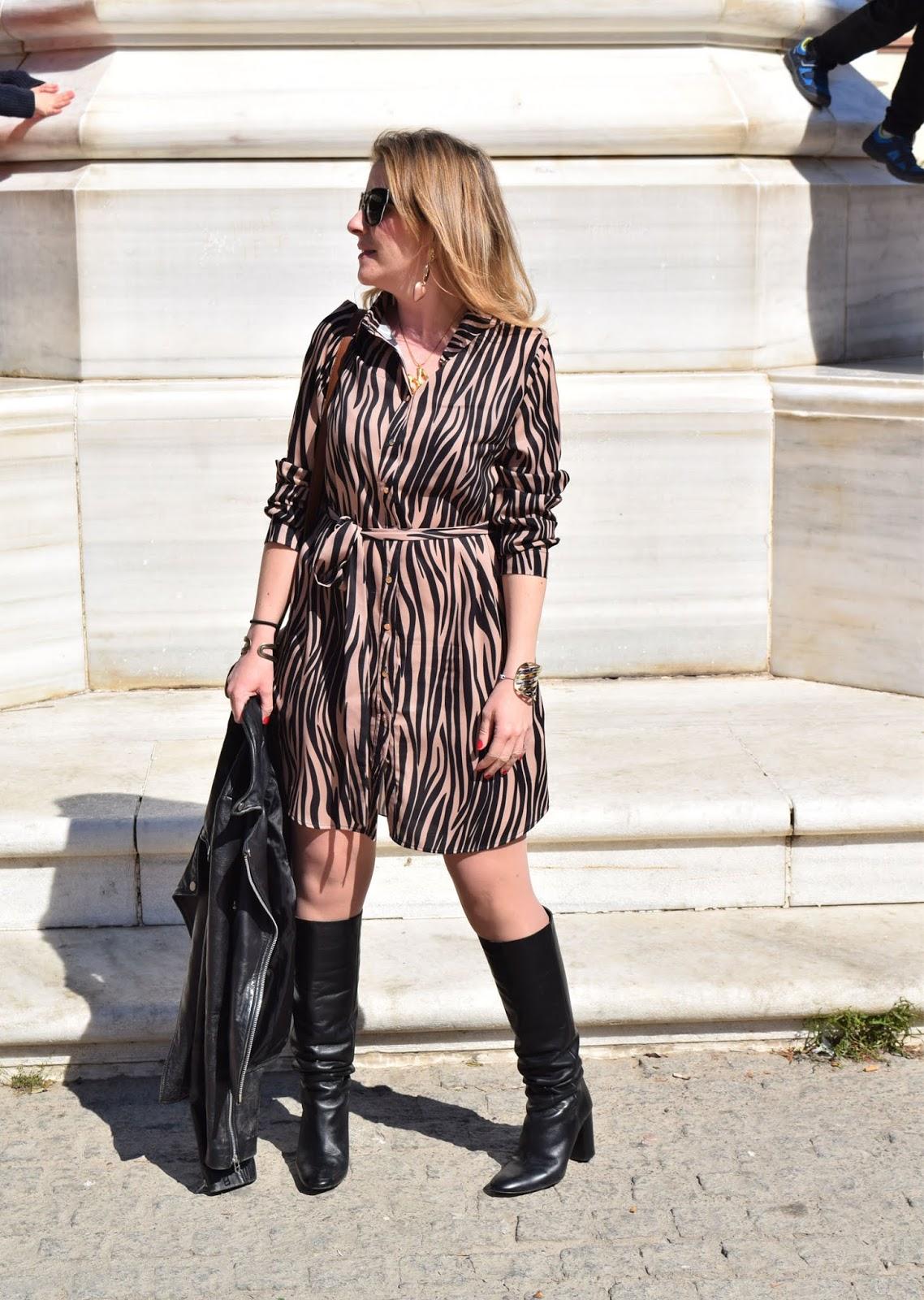 vestido_camisero_estampado_cebra