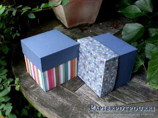 Foto mit zwei Geschenkboxen
