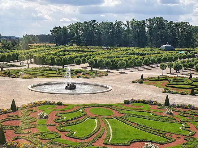 vackra slottsträdgårdar i Europa
