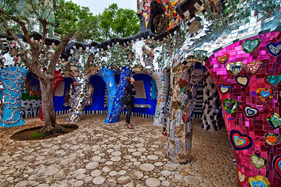 Desde la india 3 el jardin del tarot en toscana - Jardin tarots niki de saint phalle ...