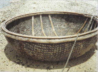 Bowl-shaped coracle, Vietnam