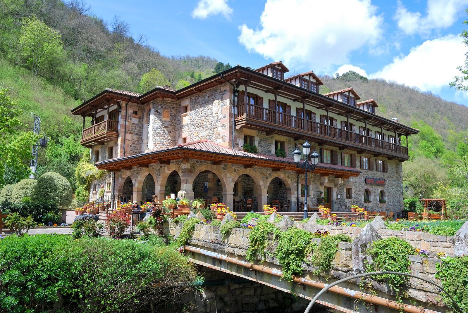 hotel del oso cosgaya cantabria spain flores flowers restaurante
