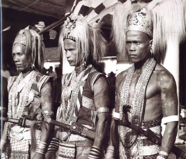masyarakat pelaku budaya ngayau