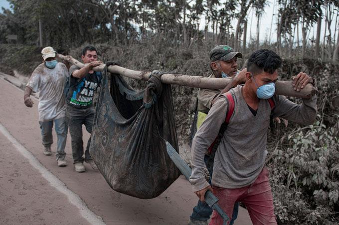 Erupción del Volcán de Fuego ha matado a 65 personas en Guatemala