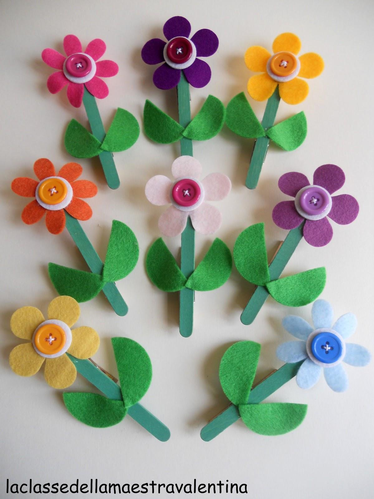 La classe della maestra valentina ancora fiori per la mamma for Lavoretti di natale maestra mary