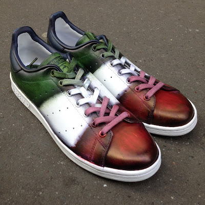 Stan Smith by Adidas, patine drapeau par Paulus Bolten