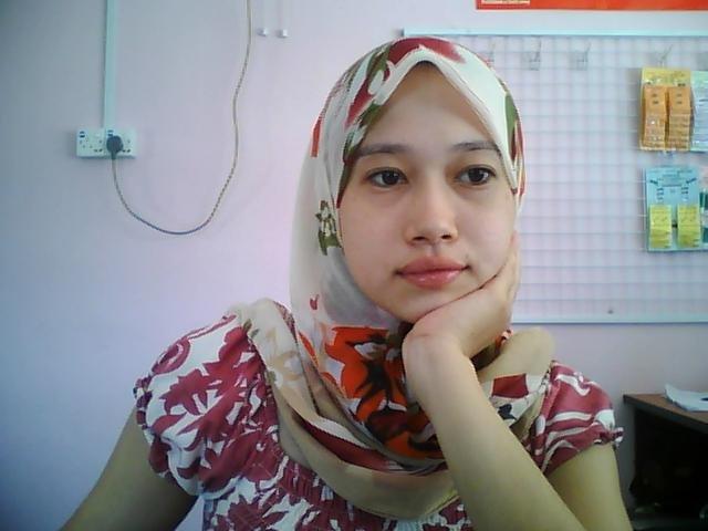Malay awek baju kurung oren - 2 2