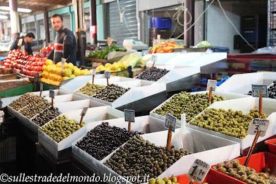 Atene Il mercato alimentare, reparto ortofrutta