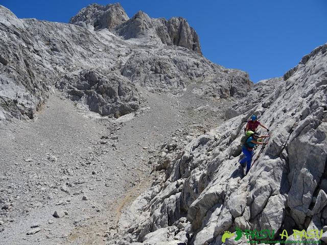 Ruta Pandebano - Refugio de Cabrones: Camino al Refugio de Cabrones